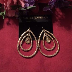 4/$30 SALE/New Gold tone Erica Lyons Drop Earrings